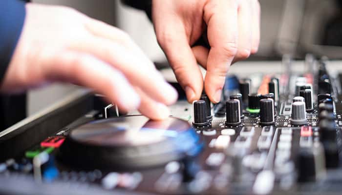 Best DJ Turntables Review