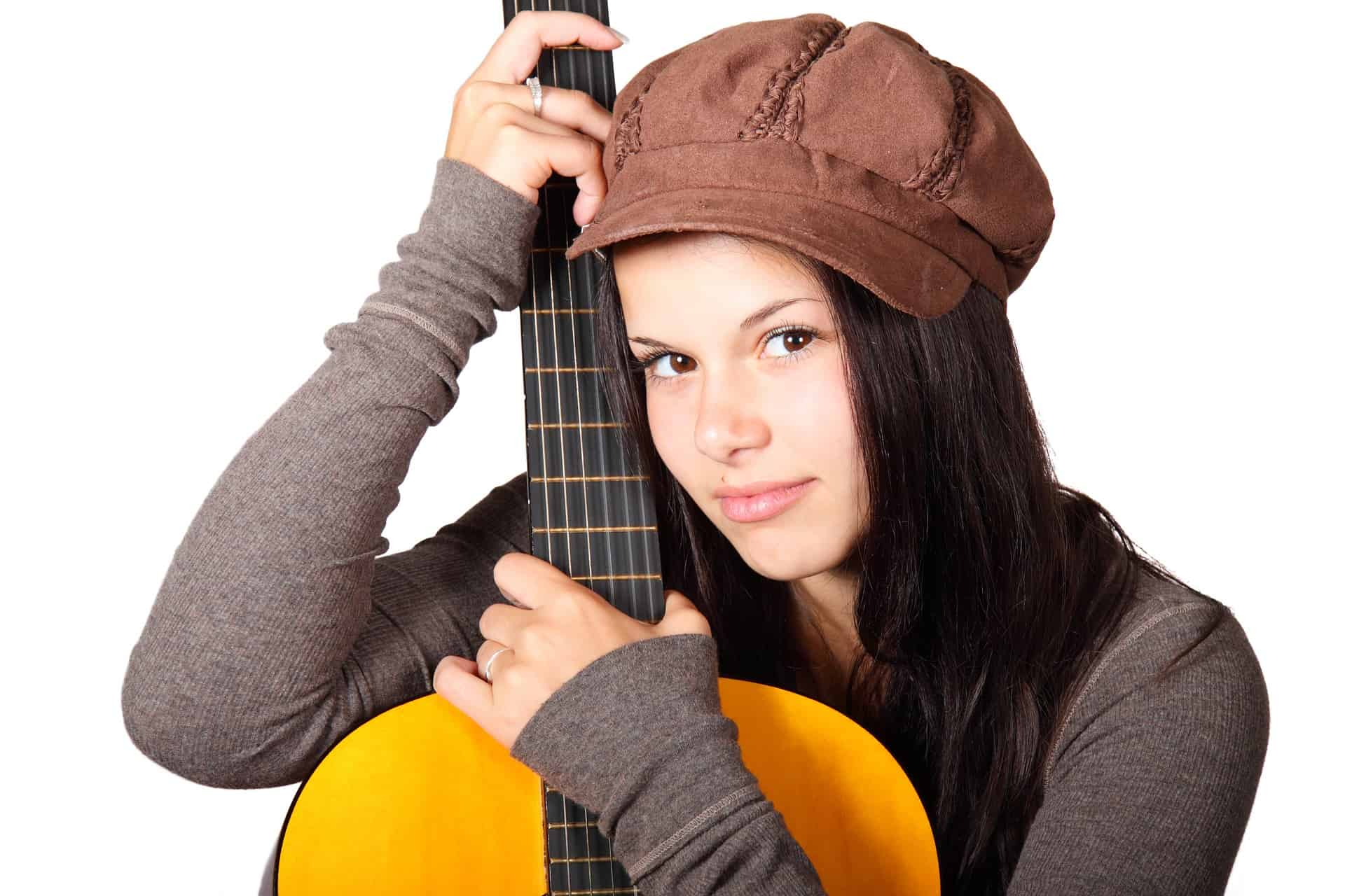 How to look after Acoustic Guitar Strings