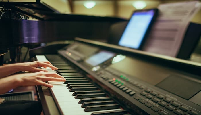 10 Best Digital Pianos Under $500 in 2019 [Buying Guide