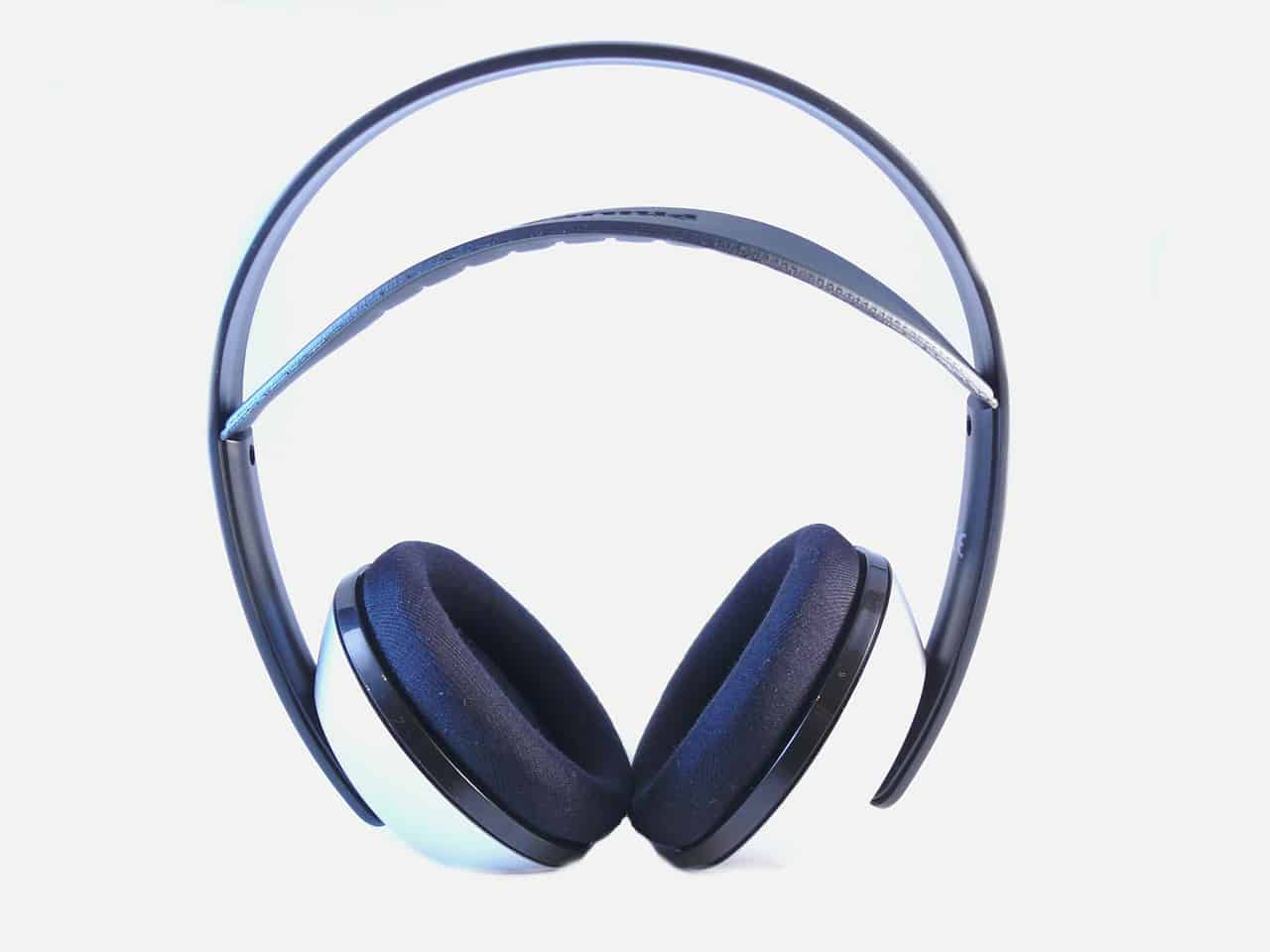 10 Best Bluetooth Headphones in 2019 [Buying Guide] - Music