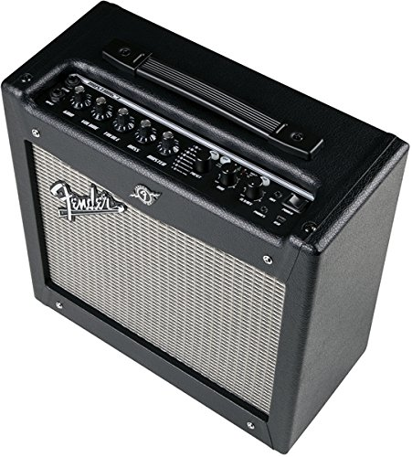 Fender Mustang electric guitar solid state amp