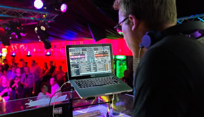 9 Best DJ Software Applications in 2019 [Buying Guide] - Music Critic
