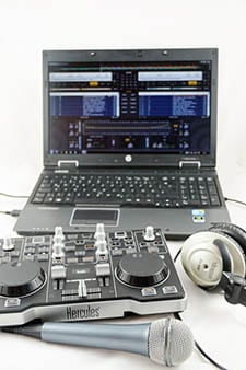Dj Software on Windows laptop