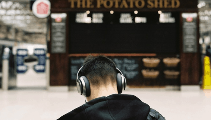 Man travelling with headphone