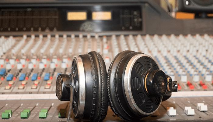 Mixing headphone