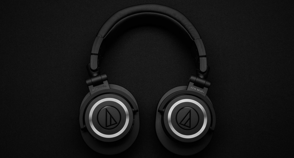 black gaming headphones
