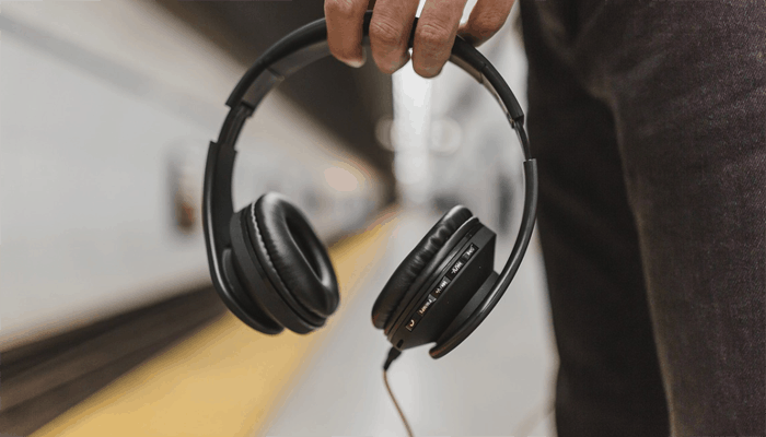 Noise Cancelling Headphone Under $100
